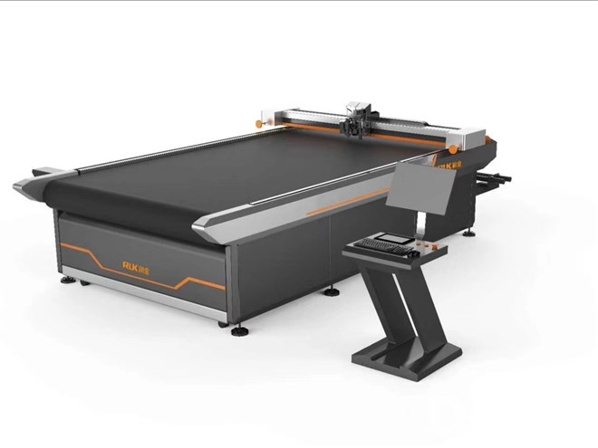 Flatbed Digital Cutting System with Oscillating Knife
